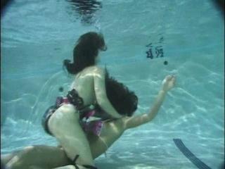 mermaids_in_peril_pool_fight2_drown