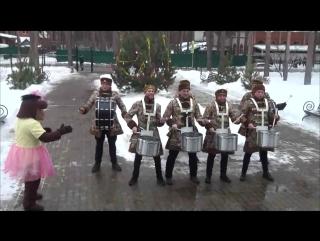Сказочная свита Главного Дед Мороза России - шоу с барабанами - нереально круто!