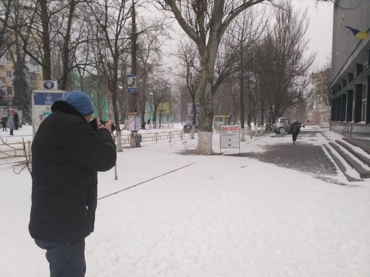 Гандзюк и Никитенко делают фальшивую картинку для СМИ (фото)