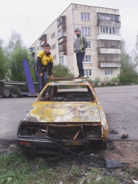 В Волгограде сожгли две иномарки  В Краснооктябрьском районе ночью сго
