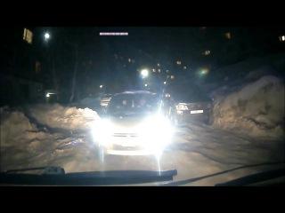 На Камчатке скорая помощь не успела спасти человека из за перекрывшего дорогу а ...