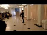 Прекрасный голос ... Кайрат Шайхиев поет для ветеранов Астраханьэнерго