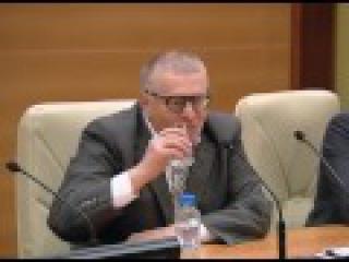 Жириновский угорает над бабами. Любви между мужчиной и женщиной не бывает
