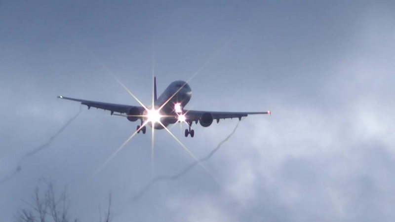 Аэрофлот Airbus 321 посадка Cross wind sideslip landing spring UUEE » Freewka.com - Смотреть онлайн в хорощем качестве