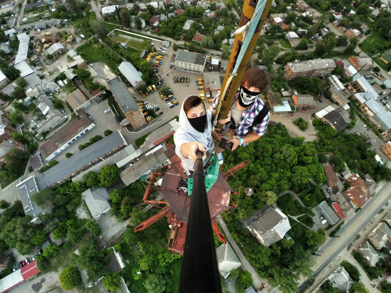 Харьковчане массово полезли на крыши (ФОТО)