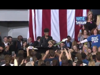 Lady Gaga - Bad Romance LIVE (Get Out the Vote Rally for Hillary Clinton )