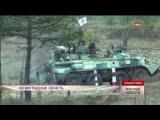 Войска технического обеспечения вывезли «подбитую» бронемашину с поля боя в Ленинградской области