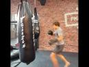Звезда НХЛ Артемий Панарин в отпуске тренируется с чемпионом мира по тайскому боксу