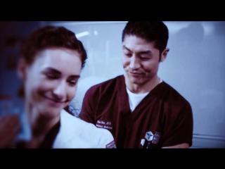 Итан Чой и Сара Риз. Медики Чикаго