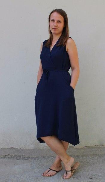 Мега удобное платье в глубоком синем цвете, на повседневку. Я