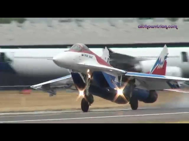 Высший Пилотаж На Самолете МиГ-29М ОВТ (MiG-29M OVT - Amazing Aerobatic Show HD Cockpit View))