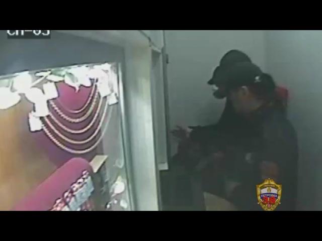 Полицейские юга столицы задержали подозреваемого в разбойном нападении на ломб
