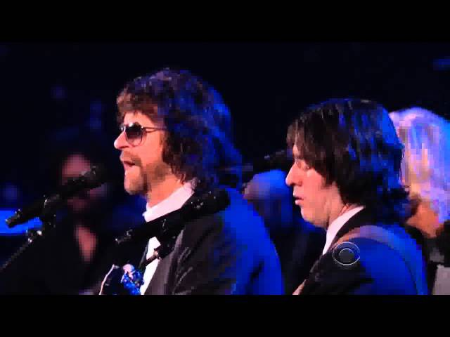 Something - Joe Walsh, Jeff Lynne and Dhani Harrison (The Beatles Tribute)