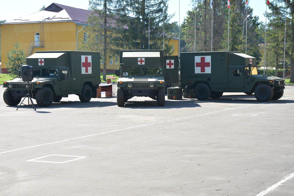 США передали Украине 5 автомобилей медицинской эвакуации для нужд военных, - Минобороны - Цензор.НЕТ 3921