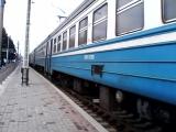 Электропоезд эр2р-7071 сообщением №6445 Харьков(Л)-Красный Лиман отправляется со станции Изюм