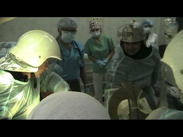 Рятувальники з медиками допомагали травмованому водію (ОПЕРАТИВНЕ ВІДЕО)
