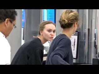 Lily-Rose Depp And Vanessa Paradis Are TSA Twins!