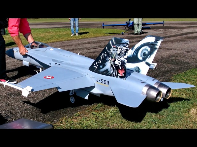 F/A-18 HORNET BIG RC SCALE MODEL FIGHTER TURBINE JET AMAZING DISPLAY FLIGHT / RC Airshow Hausen 2015