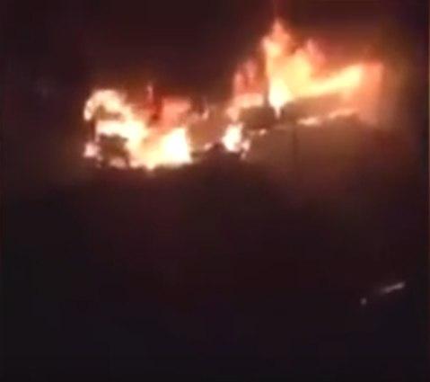 В Париже мигранты сожгли автобус