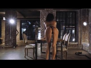 Loft Girl (YAR) высокая стройная модель и ее сексуальный танец эротика порно клип упругая попка орех сиськи задница молодая юная