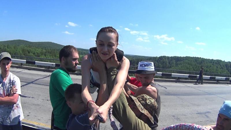 Ирина Алексеева, прыжок с Бирюлевского моста » Freewka.com - Смотреть онлайн в хорощем качестве