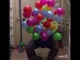 Фонтан цветных шаров