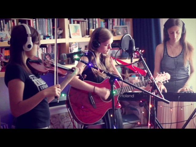 Agami Karma - Empty (The Cranberries Cover) @ Home Sessions