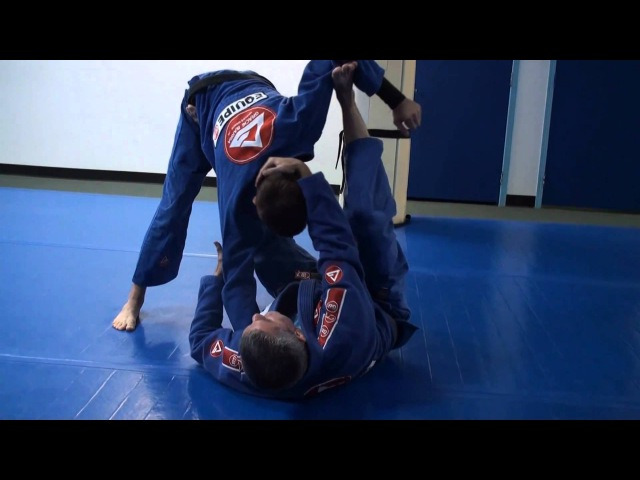 Excluse Technique Video! Draculino shows the tripod sweep for TheMouthofMMA.com