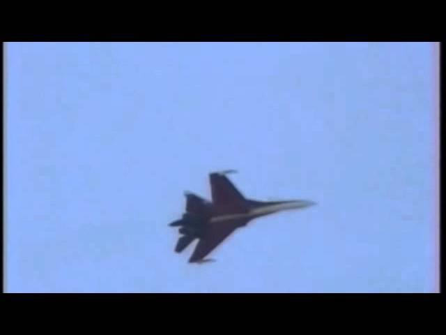 Анатолий Квочур на Су-27   Anatoly Kvochur flying on Su-27 (Low Quality)