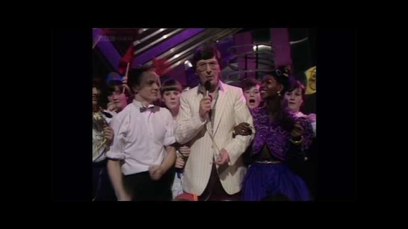 Queen - TOTP 1982 (BBC HD re-broadcast)