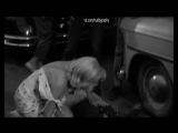 Грудь выпала - Мэрилин Монро (Marilyn Monroe) в фильме Неприкаянные (The Misfits, 1961, Джон Хьюстон) 1080p