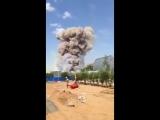 Очевидцы засняли на видео взрыв на военном полигоне Ашулук под Астраханью.