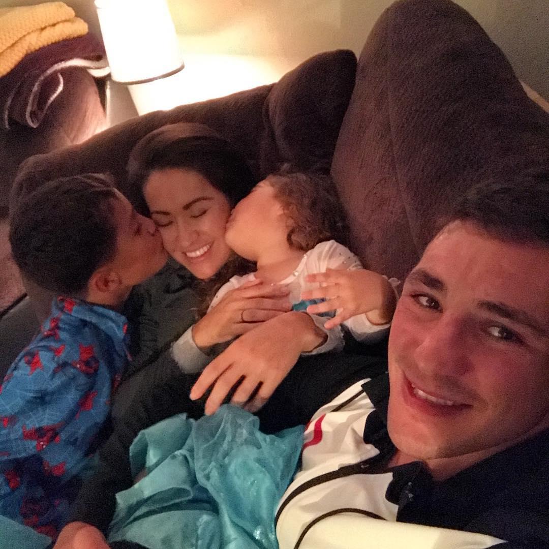Диего Санчес со своей семьей