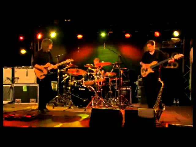 Tom Kennedy Bass solo with The Mike Stern Band