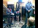 Amy Winehouse - Dont Look Back In Anger Oasis cover @ Fred Perry fashion launch, secret gig 102010