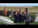 Мужчина встал с инвалидного кресла и повёл свою дочь к свадебному алтарю