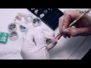Дизайн ногтей стразами. Супер элегантный и стильный дизайн.