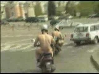 naked guys trip in the center of Moscow