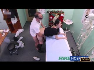 Fake Hospital - Depresyona Giren Genç Kızın İlacını Doktoru Veriyor Türkçe Altyazı 720p HD izle