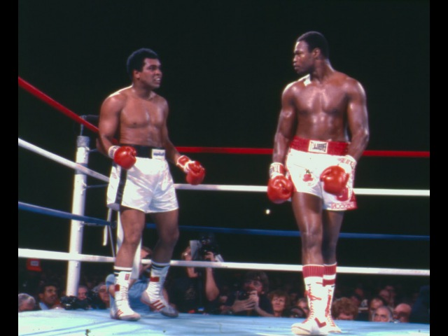 Larry Holmes beats Muhammad Ali This Day in Boxing October 2, 1980