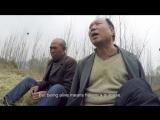 Слепой человек и его безрукий товарищ сажают лес
