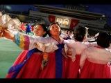 Массовые танцы молодёжи и факельное шествие по случаю окончания VII съезда ТПК.