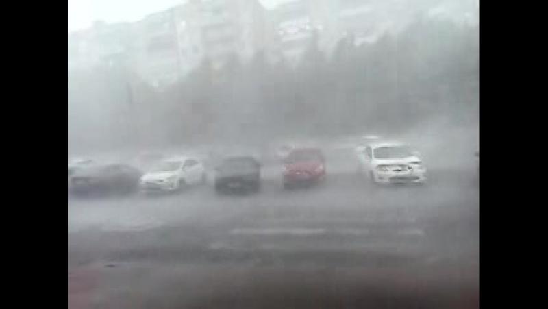 На Курск обрушился небывалый ураган и проливной дождь с градом