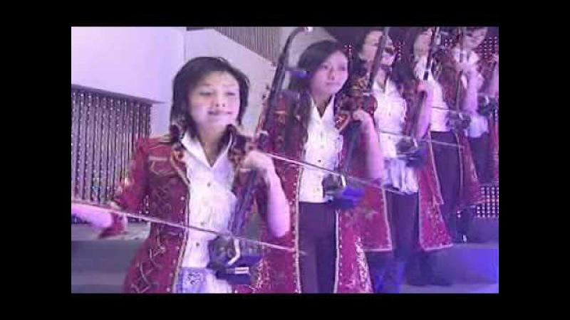 12 Girls Band - Last Christmas (12 Girls Of Christmas)