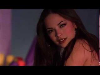 Smallville 1x15 - Clark Lana pool scene