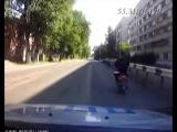 Сотрудники ГИБДД задержали водителя мокика, пытающегося скрыться от полиции