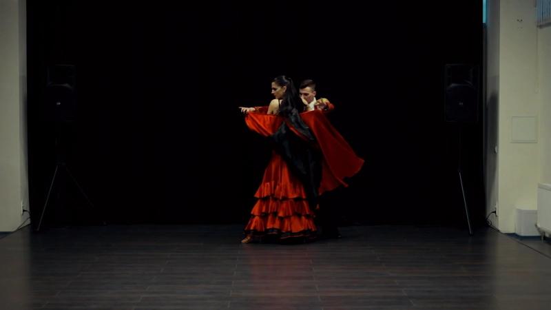 Шоу-дуэт Тореодор и испанка