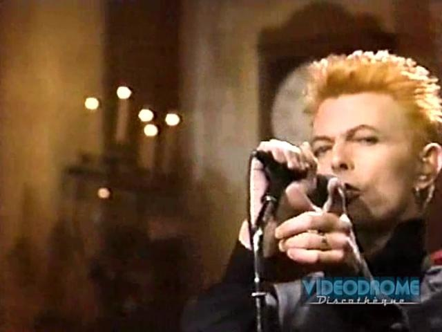 DAVID BOWIE Plays 2 Songs, Late On A Saturday In 1997 (With Reeves Gabrels, Zachary Alford, Gail Ann Dorsey Mike Garson)