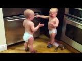 Задушевный разговор братьев-близнецов: Сэм и Рен