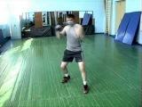 Отработка правого бокового удара в голову (бокс)